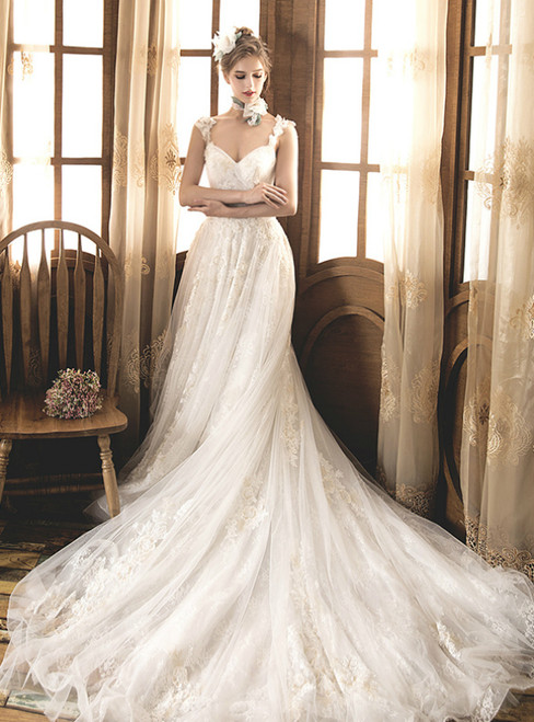 A-Line Ivory White Tulle Lace Straps Appliques Pleats Wedding Dress