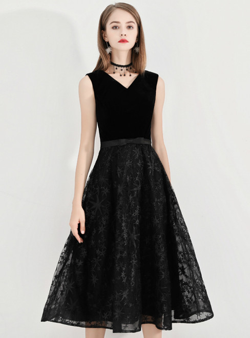 In Stock:Ship in 48 Hours Black Lace V-neck Short Prom Dress