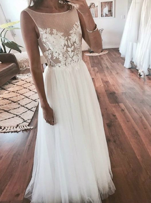 A-Line White Tulle Backless Appliques Long Wedding Dress