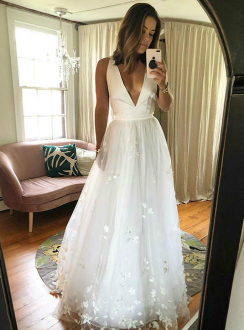 Simple A-Line White V-neck Tulle Appliques Long Wedding Dress