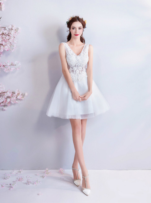 In Stock:Ship in 48 Hours White Tulle V-neck Appliques Homecoming Dress
