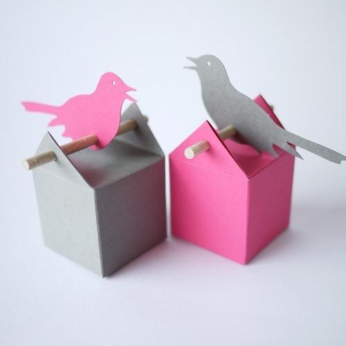 Kit Oiseau Mono ou Bi-colore : boîte à dragées et étiquette