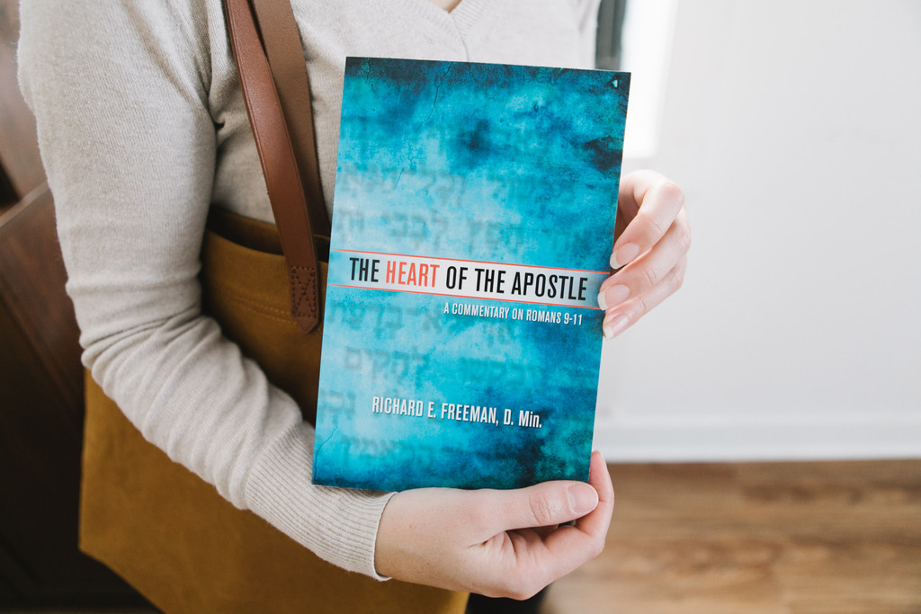 The Heart of the Apostle (softcover)
