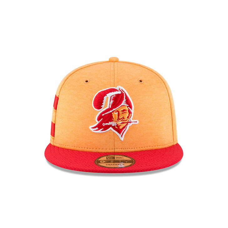 Men's Tampa Bay Buccaneers 2018 New Era Historic Sideline Fitted Hat