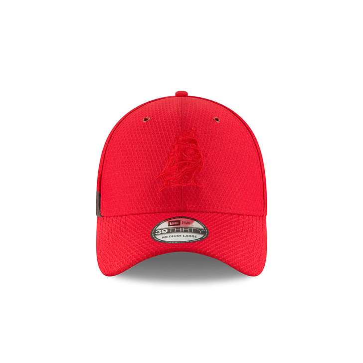 Men's Tampa Bay Buccaneers 2018 New Era Sideline Rush 39Thirty Flex Hat