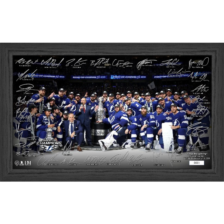 """Tampa Bay Lightning 2021 Stanley Cup Champions 20"""" x 12"""" Framed Team Photo with Signatures"""