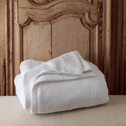 Sferra Blanket - Image 1