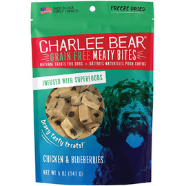 Charlee Bear Meaty Bites Chicken & Blueberry Freeze Dried Dog Treats