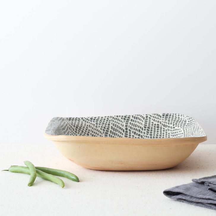 Terrafirma Ceramics Square Bowl (Charcoal/Braid) with green beans