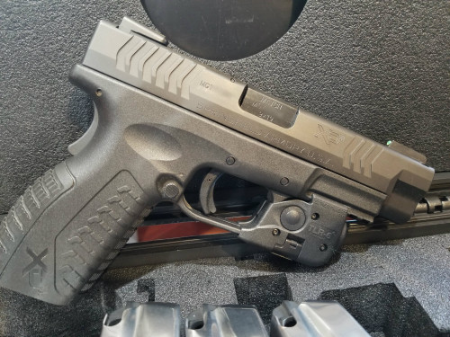 "Springfield XD-M 9 MM 5 Mags 4.5"" barrel"