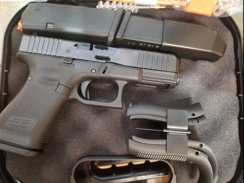 Glock 19 Gen 5 3 magazines
