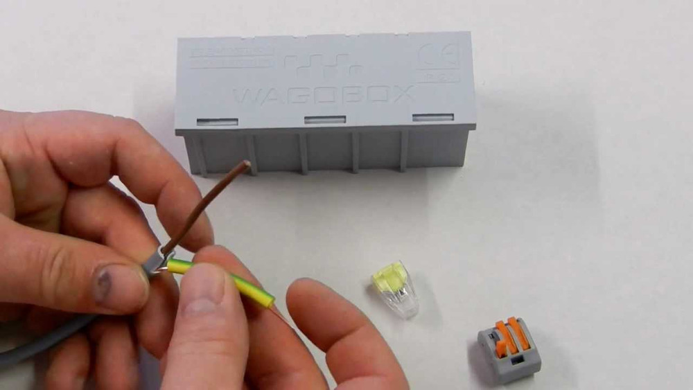 Wago 773-104 - Push Wire Connector for junction boxes, 4 conductor, Box qty 100