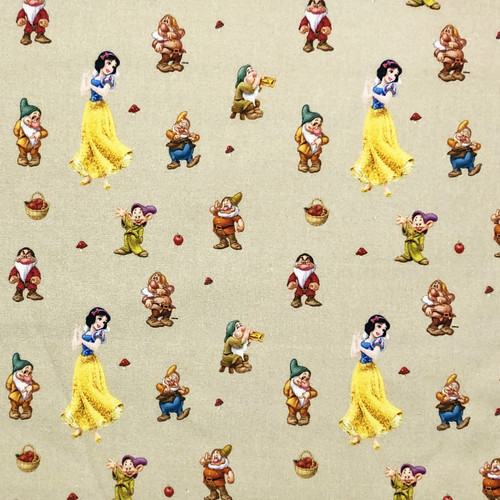 Disney Snow White & The 7 Dwarfs 100% Cotton (Snow White 4)