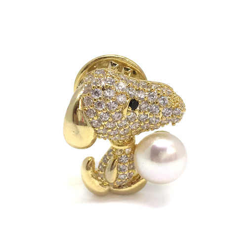 Snoopy with White Pearl Brooch