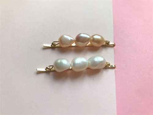 Triple Baroque Pearls Hair Clip