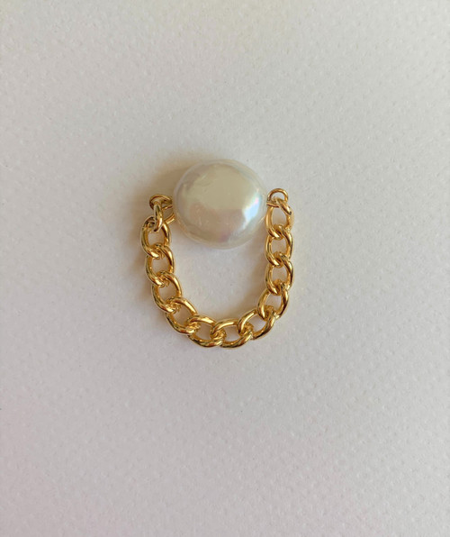 White Coin Pearl Signet Chain Ring