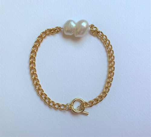 8 Shape White Baroque Pearl Gold Chain Bracelet