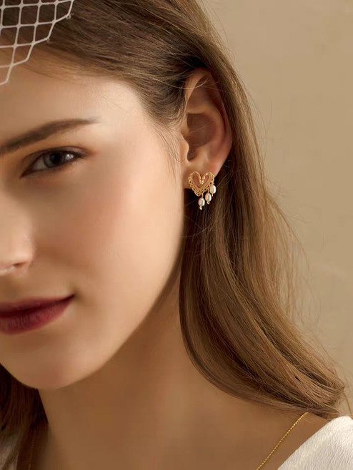Nina Gold Lace Heart Pearl Earrings