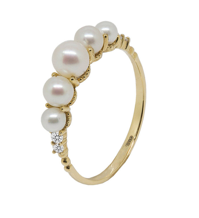 Five White Cultured Pearl Ring in 18ct Yellow Gold