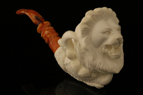 Lion in Claw Hand Carved Meerschaum Pipe in a fitted CASE 8818
