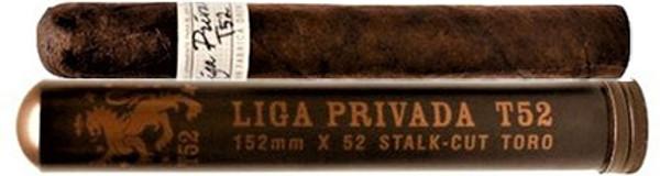 Liga Privada T52 Toro Tubo mardocigars.com