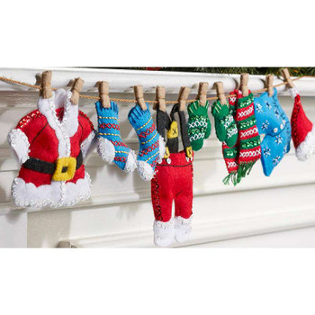 "Santa's Laundry Garland Felt Applique Kit 27""X5"""