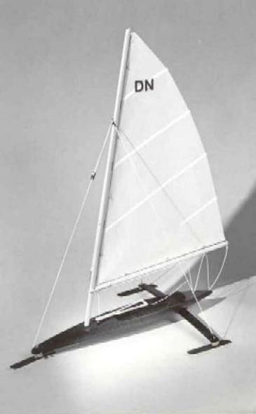 Dumas 18-3/4'' DN Ice Boat Kit -- Wooden Boat Model Kit -- #1123