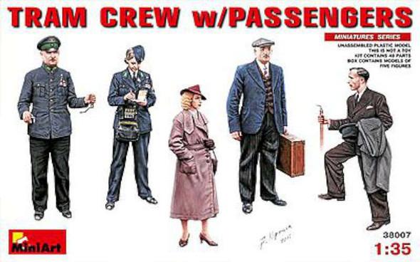 1/35 Tram Crew w/Passengers for use w/38003