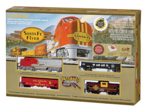 Bachmann Trains Santa Fe Flyer HO Scale Ready-To-Run Electric Train Set 647-BT