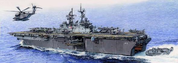 Trumpeter 1/350 USS Iwo Jima LHD-7 Amphibious Asslt SHP 5615