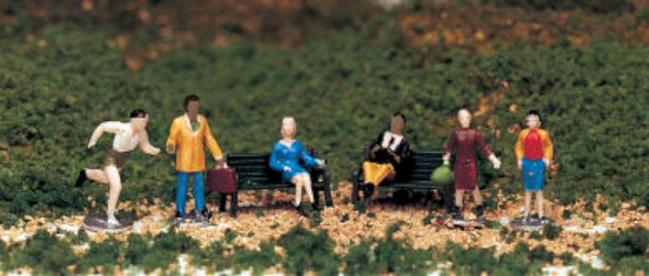 Bachmann 42339 HO People at Leisure (6)