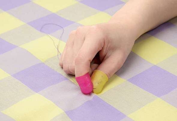 Clover Flexible Rubber Thimble Medium
