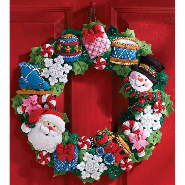 """Christmas Toys Wreath Felt Applique Kit 16"""" Round"""
