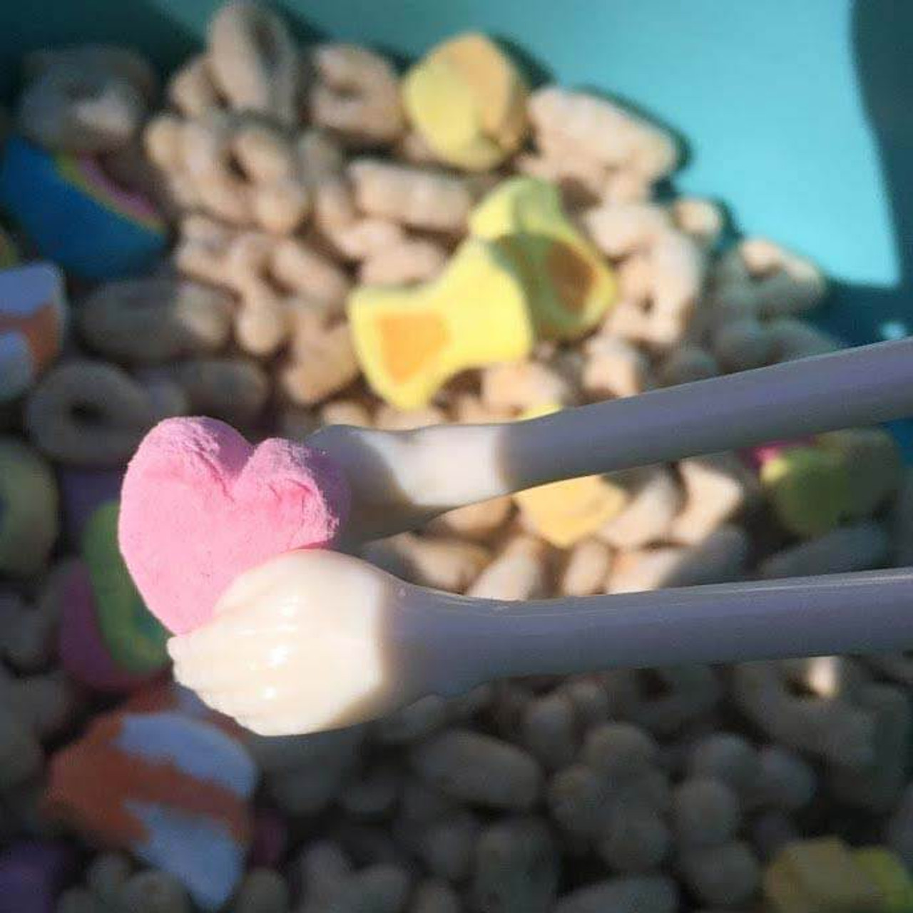 We <3 searching for marshmallows in your cereal!