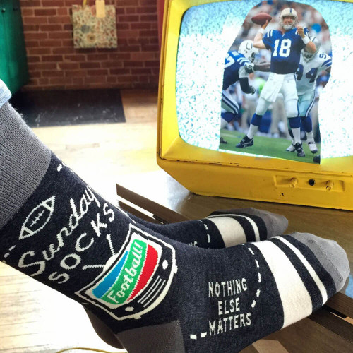 SUNDAY FOOTBALL NOTHING ELSE MATTERS MEN'S SOCKS