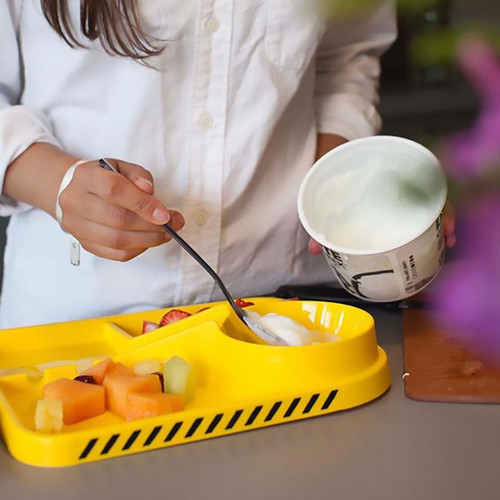 A fun way to get kids to eat! Construction Set Dinner Plate + Utensils