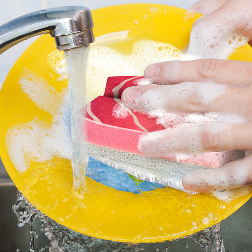 Wash your dishes with Washsabi Sushi Kitchen Sponges by Fred