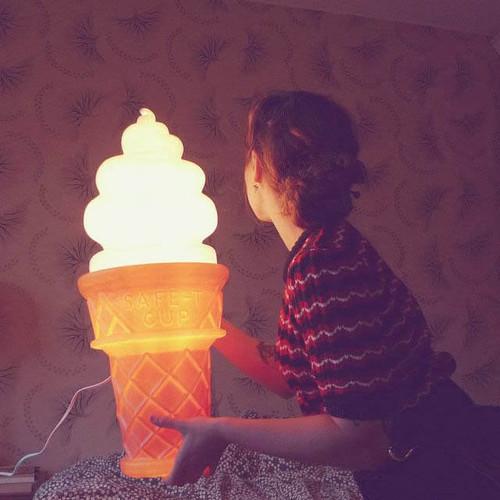 GIANT ICE CREAM CONE LAMP
