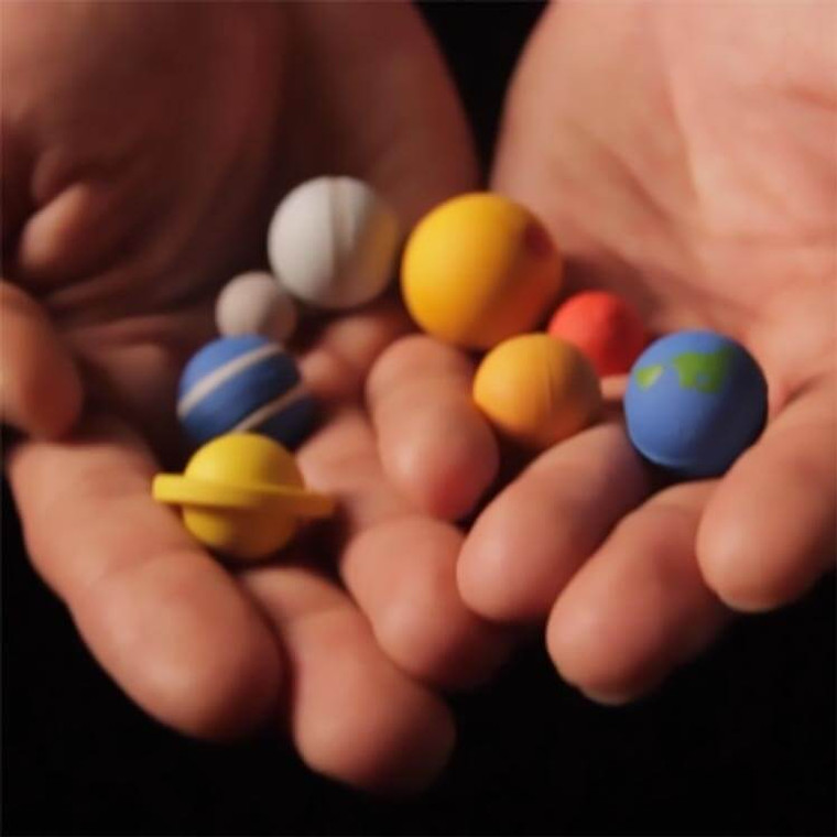 THE SOLAR SYSTEM IN YOUR HANDS