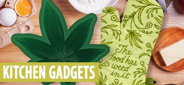 The BEST gifts for kitchen gadgets and cooking lovers! Including our popular Marijuana Leaf Cake Mold.