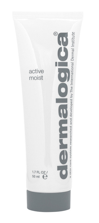 Sheer, easy-to-apply Active Moist formula contains Silk Amino Acids and a unique combination of plant extracts that help improve skin texture and combat surface dehydration