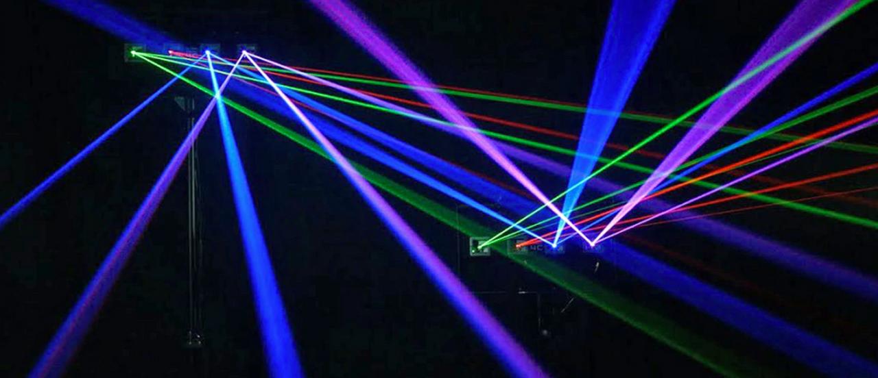 "Phantom Dynamics 4"" x 4"" Laser Beam Bounce Mirror"