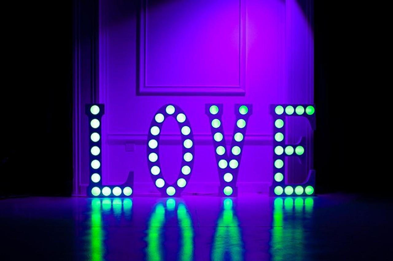 Eliminator Decor Love 2.0 / Letters w/ RGB Circle Cut-Outs
