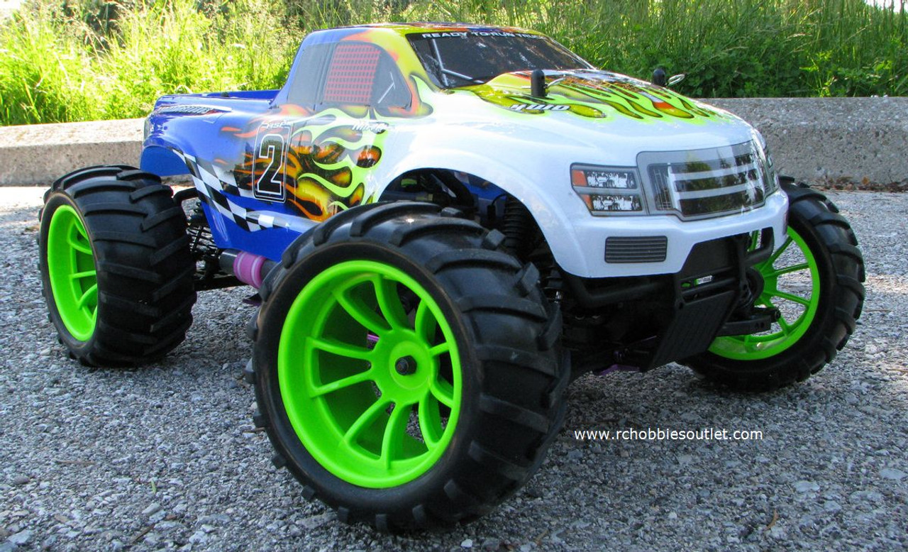 RC Nitro Monster truck 1/0 scale