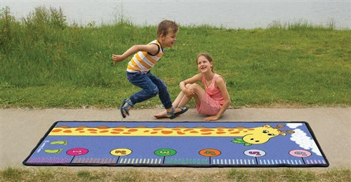 Learning Measuring with Giraffe Play Carpet - 79 in. x 36 in.