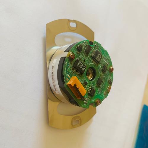 YASKAWA encoder UTSIH-B17CK // Programmed for servomotor OMRON W1K530H-BS2