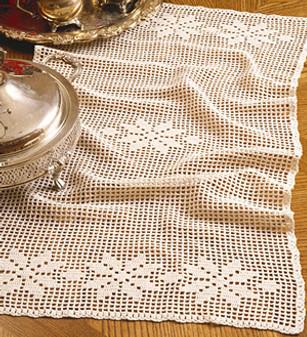 ePattern Poinsettia Table Scarf