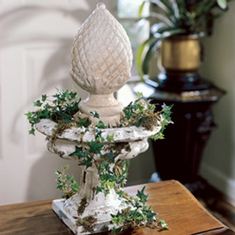 ePattern Ivy-Entwined Classic Fountain