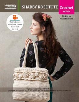 The Shabby Rose Tote to crochet by Italian designer Nicoletta Tronci of NTmaglia Crochet Design is big on feminine style.