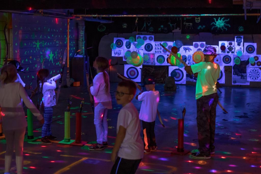 KIDS PARTY GLOW IN THE DARK ARCHERY  kids youth